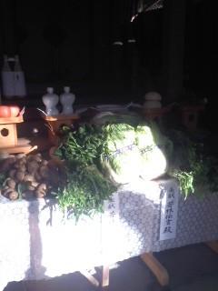 お供え(12月30日、大船熊野神社)