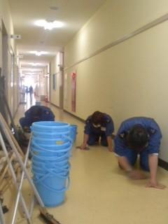 甲板掃除(2月3日、横須賀教育隊)