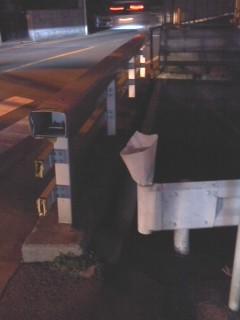 水堰橋の献花(3月15日)