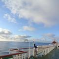 写真: 洋上の朝