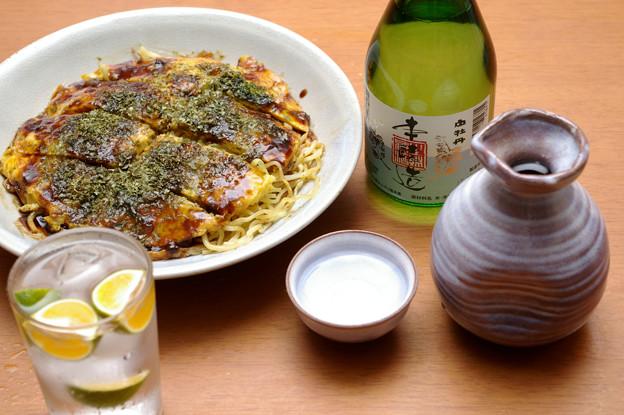 IMGP9632東広島市、白牡丹本醸造生貯蔵と広島お好み焼き