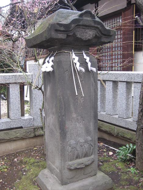 道祖神(牛天神。文京区春日)
