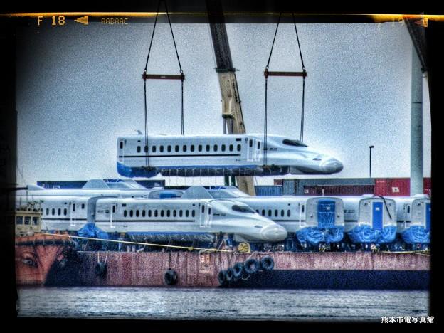 熊本港に到着したN700系R1編成。