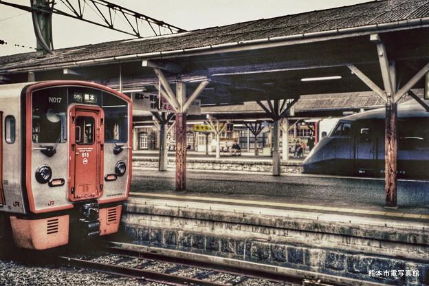 2001年撮影の熊本駅構内の様子。