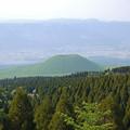 草千里展望所から見た米塚