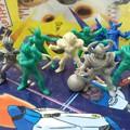 Photos: 特撮部門から仮面ライダー100食玩消しゴム 出すや~♪SHARP躍動的なライ...