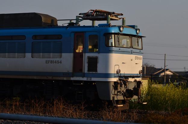 EF81454 三毛門駅にて