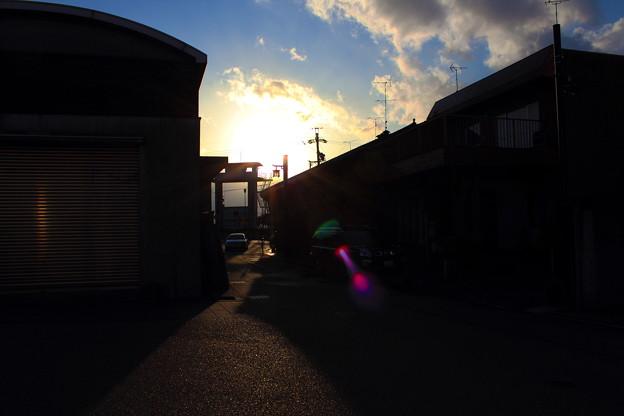 夕陽の路地景