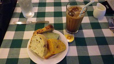 130808-12 キムラヤのパン1