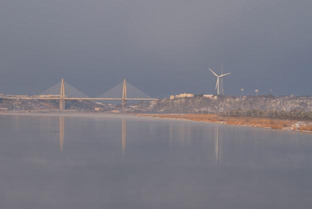 早朝の河北潟とサンセットブリッジ