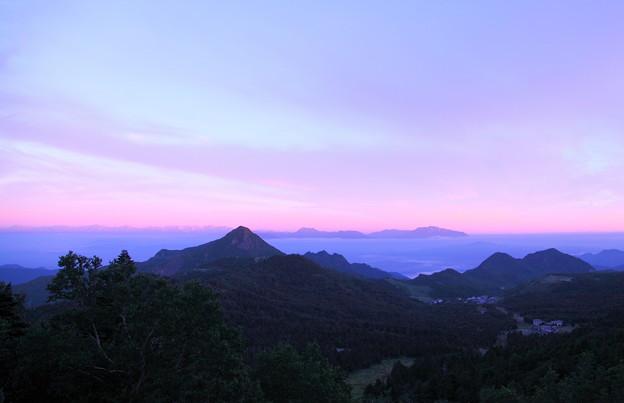 渋峠から 笠ヶ岳と北アルプス 雲海(1)