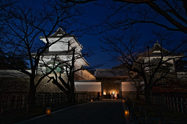 石川門 ライトアップ(1)