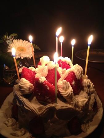 手作りケーキでお誕生会