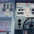 HDR 意外に小さい操舵ハンドル・・砕氷艦しらせ一般公開