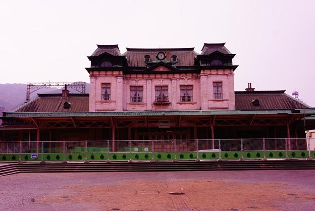 保存の改修工事に。。レトロな駅門司港駅広場
