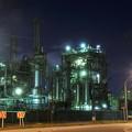 写真: 京浜工業地帯の工場夜景 千鳥町 綺麗な光を出して?・・20130126