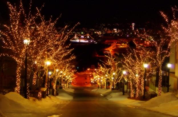 夜の雪の八幡坂・・回想シーン風