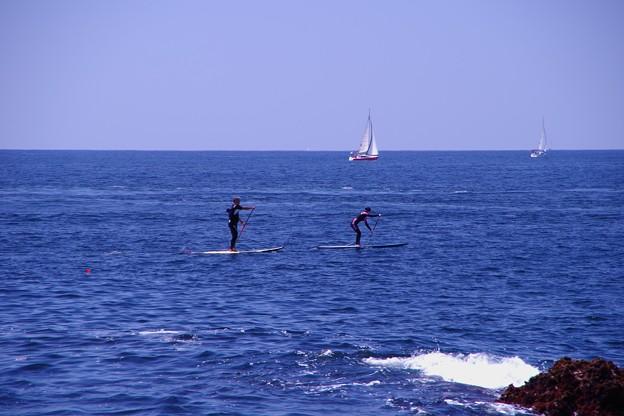 江ノ島の海で楽しむスタンドアップパドルサーフィンで。。20130428