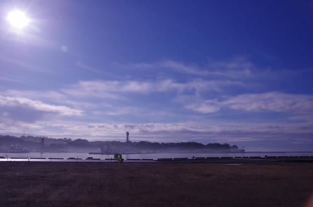 朝の福島県小名浜港・・朝靄