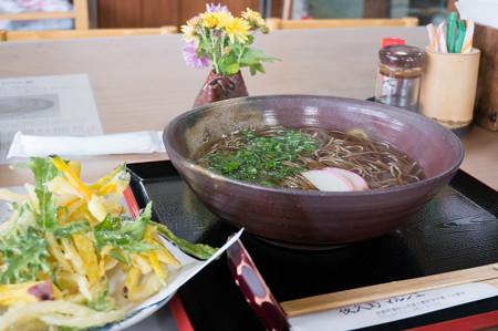 かき揚げ蕎麦(道の駅・農匠の郷やくの【京都】)・1
