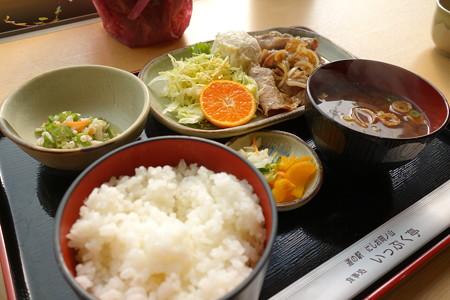 三河産豚肉生姜焼き定食(道の駅・にしお岡ノ山【愛知】)・1