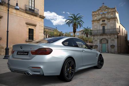 BMWM4バックショット