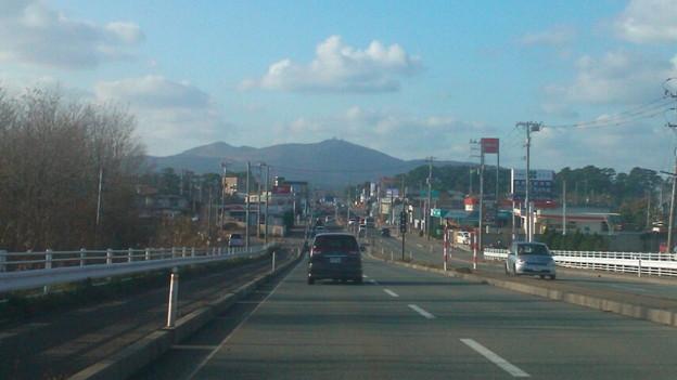 国道正面の寒風山