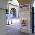 Photos: 劇場前