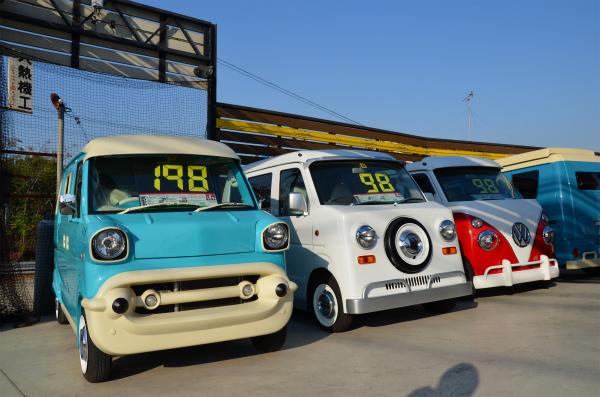 キャルステージは色々なベース車で様々なタイプを製作