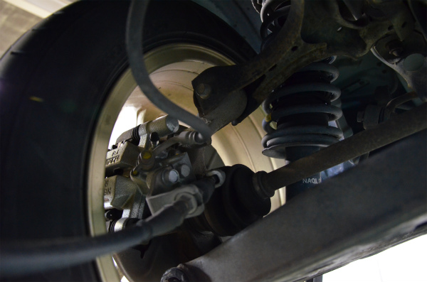 リヤのブレーキキャリパーは近年交換されていた様子