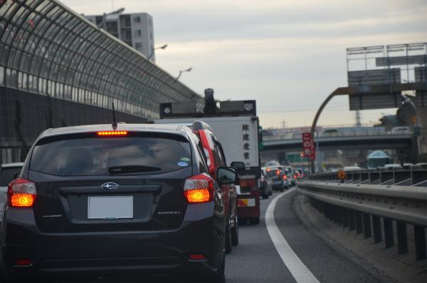 京葉道路の千葉付近で渋滞にはまる
