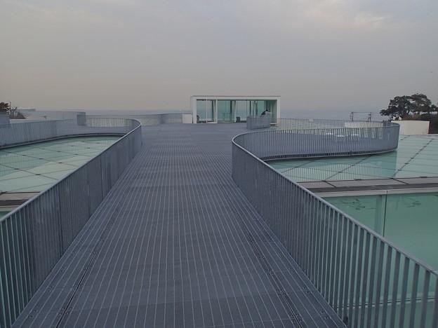 横須賀美術館 屋上広場