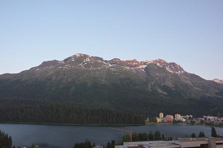 サンモリッツ・サンモリッツ湖と山