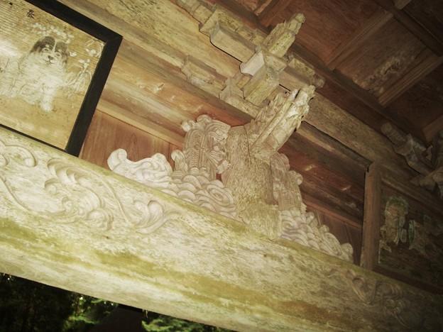 写真: 岩戸神社の彫刻